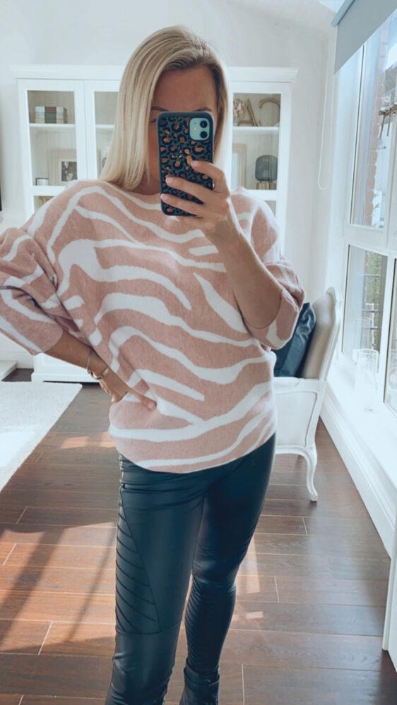 Fuller bust jumper pale pink zebra